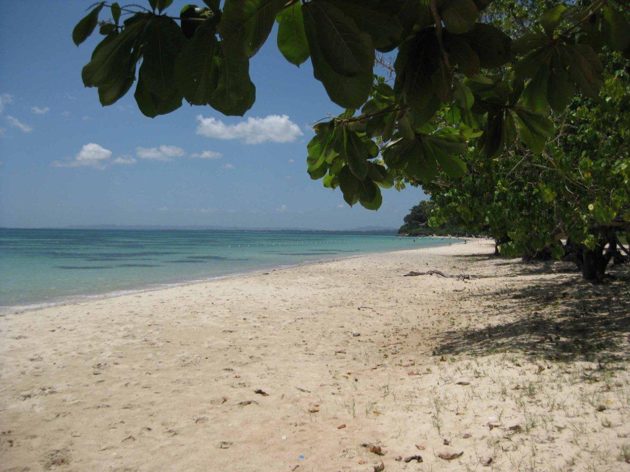 Jamaica - Negril, kilometerlanger weißer Sandstrand